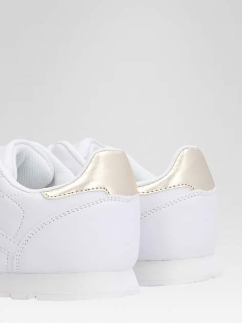 Białe buty sportowe ze złotym zapiętkiem                                  zdj.                                  7