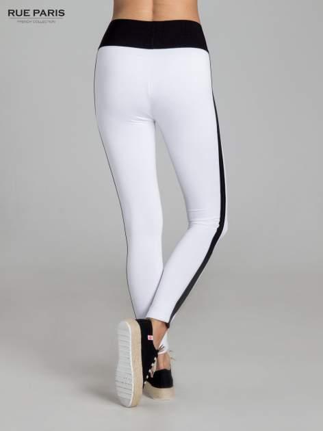 Białe legginsy ze skórzanymi lampasami po bokach                                  zdj.                                  4