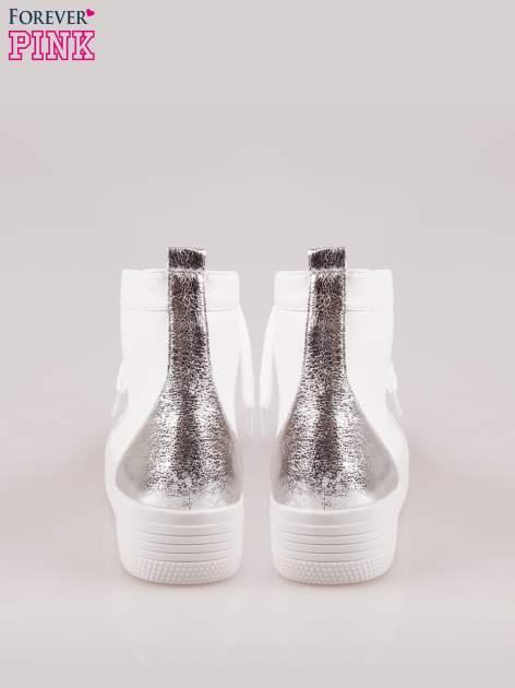 Białe sneakersy za kostkę Nessa na grubej podeszwie ze srebrnym noskiem                                  zdj.                                  3