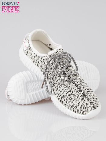 Białe sportowe buty textile Blossom z czarnym nadrukiem                                  zdj.                                  4