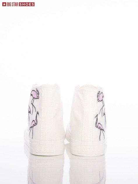 Białe trampki Big Star z wyższą cholewką i haftowanymi wzorami flamingów na boku cholewki                                  zdj.                                  4