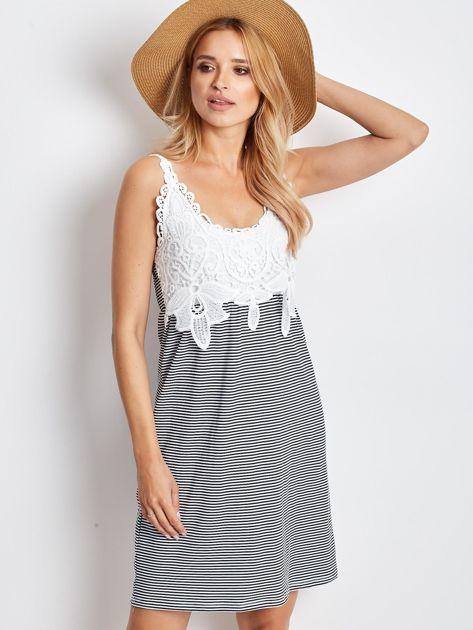 Biało-granatowa sukienka Daybreak                              zdj.                              1
