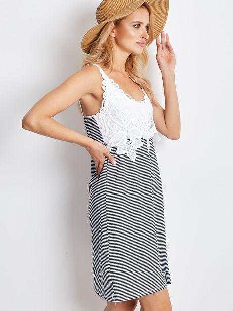 Biało-granatowa sukienka Daybreak                              zdj.                              3