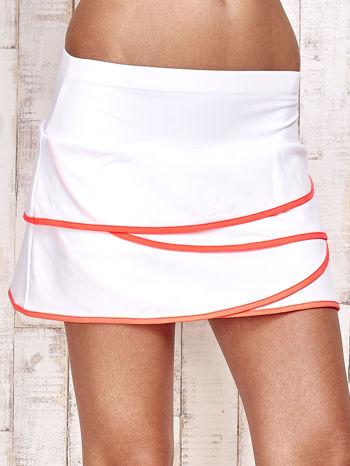 Biało-koralowe spodenki spódniczka tenisowa z falbankami                                  zdj.                                  4