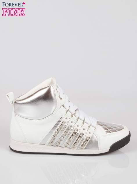 Biało-srebrne sneakersy z łańcuszkami