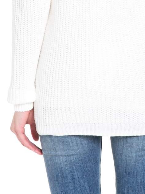 Biały ciepły sweter z golfowym kołnierzem                                  zdj.                                  8