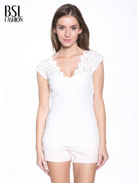 Biały koronkowy t-shirt z głębokim dekoltem