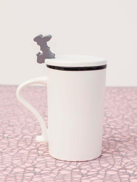 Biały kubek ceramiczny z pokrywką                              zdj.                              5