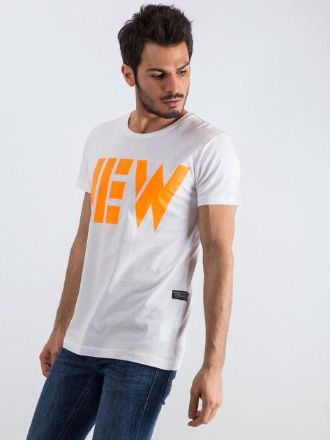 Biały męski t-shirt Public                              zdj.                              3