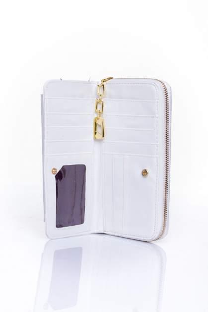Biały portfel ze złotym zapięciem                                  zdj.                                  4