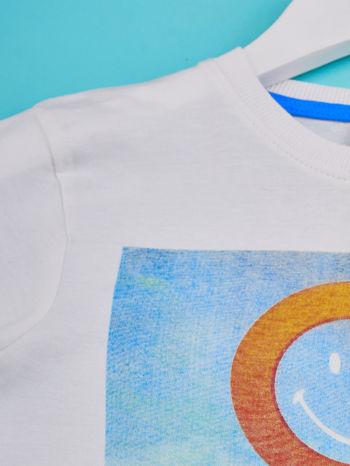 Biały t-shirt chłopięcy z nadrukiem LET'S GO FOR HOLIDAY                                  zdj.                                  3