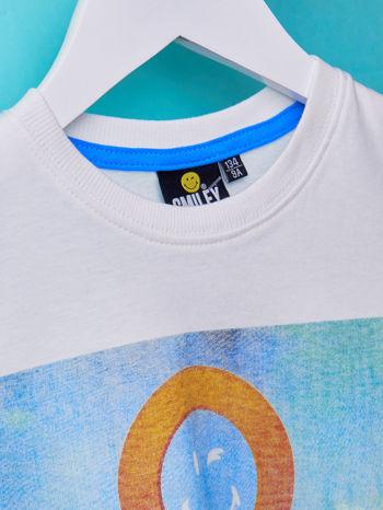 Biały t-shirt chłopięcy z nadrukiem LET'S GO FOR HOLIDAY                                  zdj.                                  7