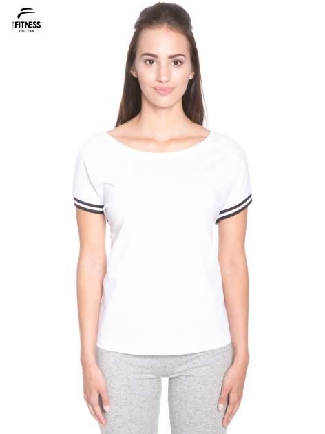 Biały t-shirt damski ze sportową lamówką                                  zdj.                                  1