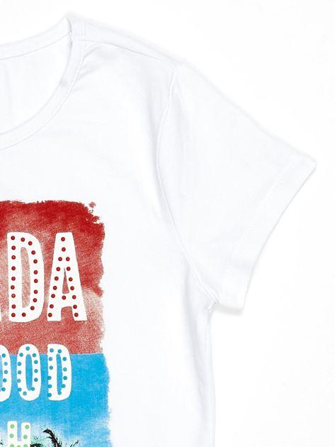 Biały t-shirt dziecięcy z napisami                              zdj.                              3