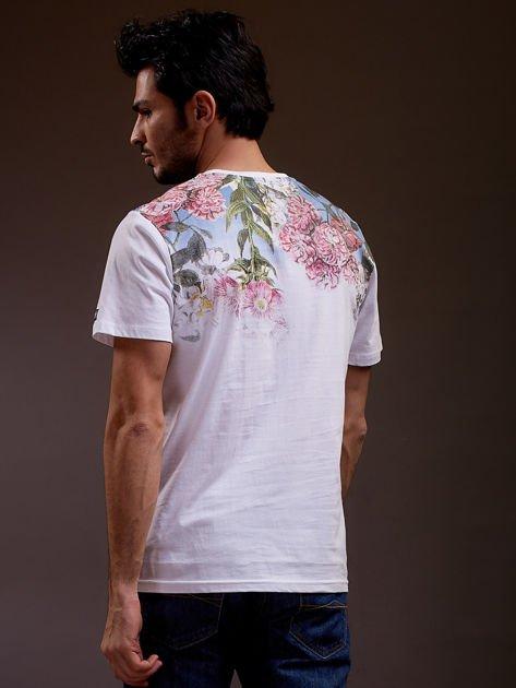 Biały t-shirt męski w kwiaty FUNK N SOUL                              zdj.                              2