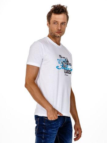 Biały t-shirt męski z marynarskim motywem i napisem SAILING                                  zdj.                                  4
