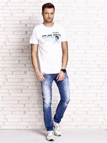 Biały t-shirt męski z nadrukiem napisów i cyfrą 9                                  zdj.                                  4