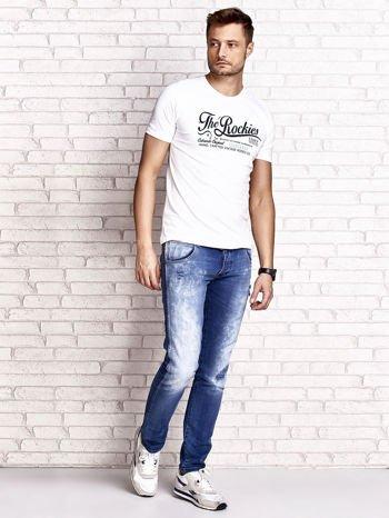 Biały t-shirt męski z nadrukiem napisu THE ROCKIES                                  zdj.                                  4