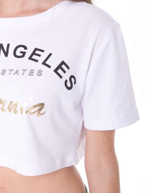 Biały t-shirt typu crop top z nadrukiem UNITED STATES                                  zdj.                                  7