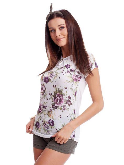 Biały t-shirt w kwiatowe wzory                              zdj.                              3