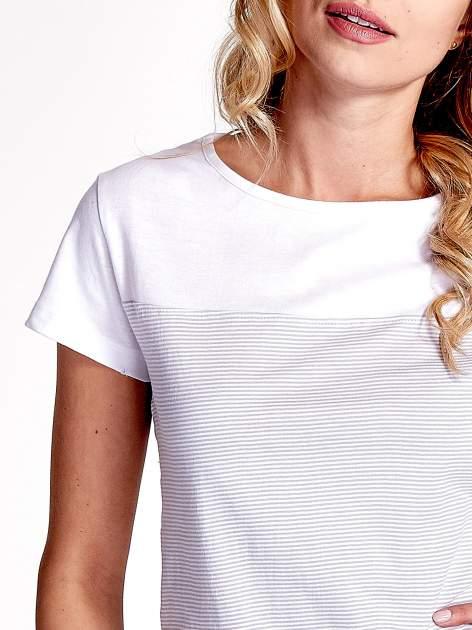 Biały t-shirt w poziome szare paski                                  zdj.                                  5