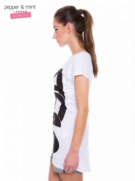 Biały t-shirt z dużym nadrukiem tekstowym FAMOUS                                  zdj.                                  2
