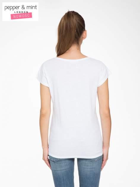Biały t-shirt z fotografią drogi i napisem ADVENTURE                                  zdj.                                  4