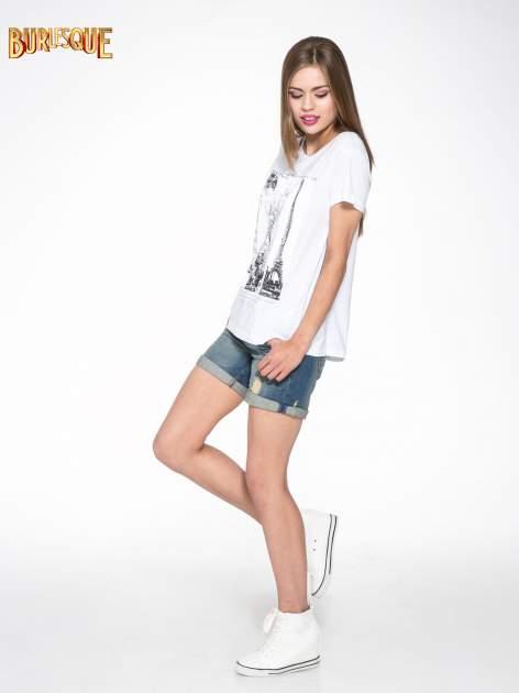 Biały t-shirt z fotografiami miast                                  zdj.                                  2