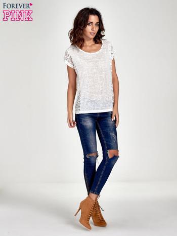 Biały t-shirt z koronkowym tyłem i dżetami                                  zdj.                                  7