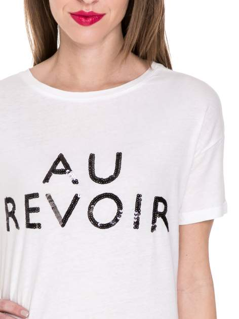 Biały t-shirt z nadrukiem AU REVOIR z cekinów                                  zdj.                                  5