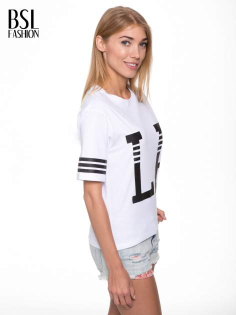 Biały t-shirt z nadrukiem LA w baseballowym stylu                                  zdj.                                  3
