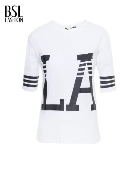 Biały t-shirt z nadrukiem LA w baseballowym stylu                                  zdj.                                  2
