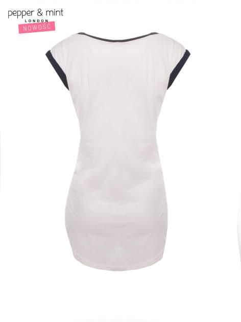 Biały t-shirt z nadrukiem i czarną lamówką                                  zdj.                                  4