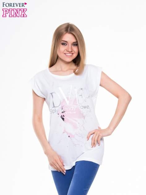 Biały t-shirt z nadrukiem kwiatu                                  zdj.                                  1