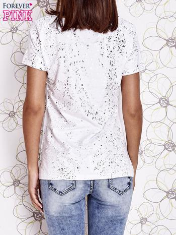 Biały t-shirt z napisem BONJOUR                                  zdj.                                  4