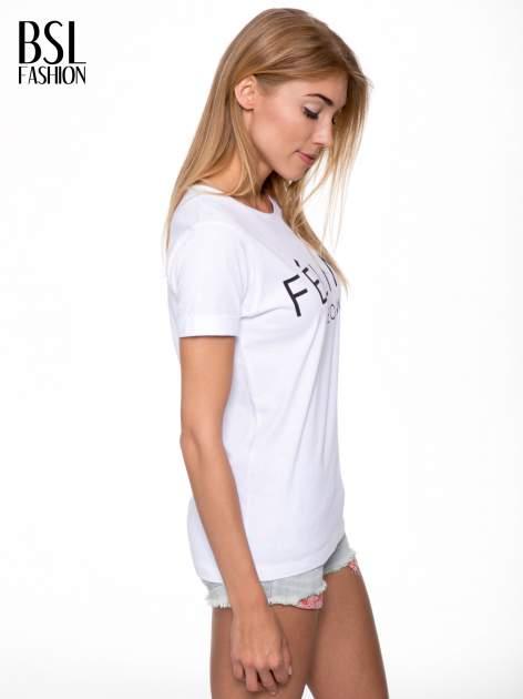 Biały t-shirt z napisem FÉLINE MEOW                                  zdj.                                  3