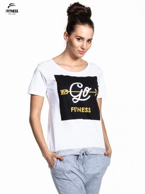 Biały t-shirt z napisem GO FITNESS                                  zdj.                                  1