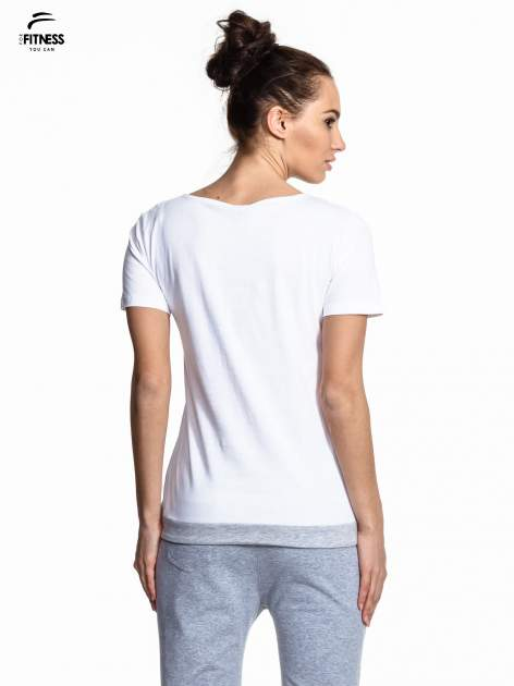 Biały t-shirt z napisem GO FITNESS                                  zdj.                                  2