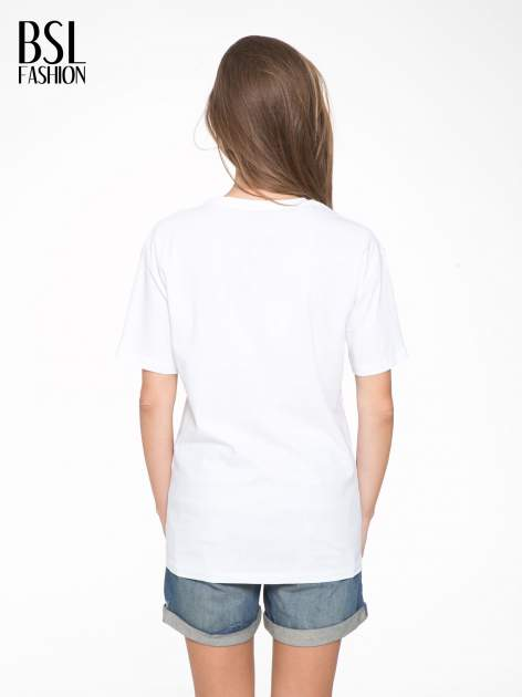 Biały t-shirt z napisem I'DONT KNOW WHAT TO WEAR TODAY                                  zdj.                                  4