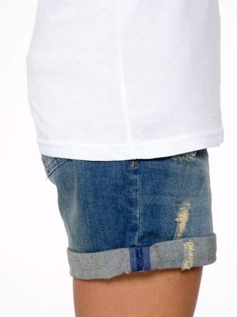 Biały t-shirt z napisem Nº4 COCO                                  zdj.                                  8