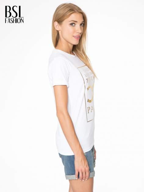 Biały t-shirt z nazwami stolic mody                                  zdj.                                  3