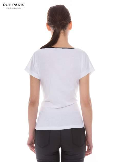 Biały t-shirt z siateczkową górą i kontrastową lamówką                                  zdj.                                  3