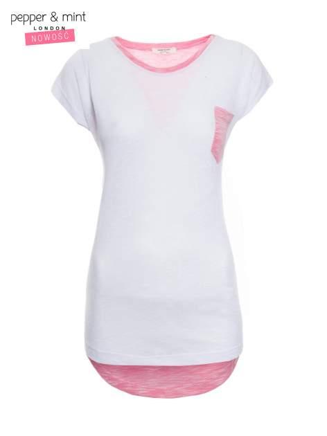 Biały t-shirt z wydłużanym tyłem w kolorze fuksji                                  zdj.                                  2