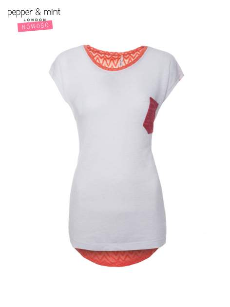 Biały t-shirt z wydłużanym tyłem w pomarańczowym kolorze                                  zdj.                                  4