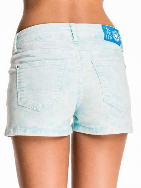 Błękitne dekatyzowane jeansowe szorty                                  zdj.                                  5