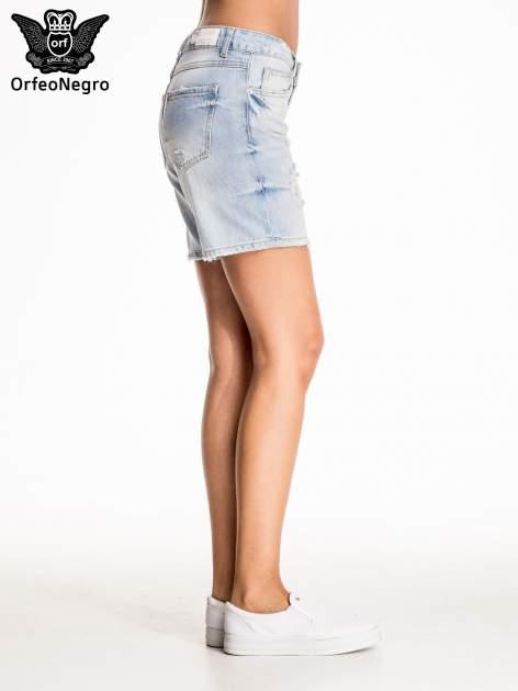 Błękitne jeansowe szorty z przetarciami                                  zdj.                                  5