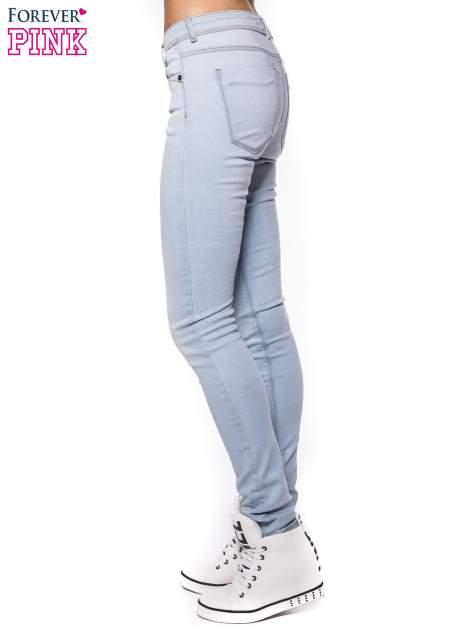 Błękitne spodnie jeansowe skinny fit                                  zdj.                                  2