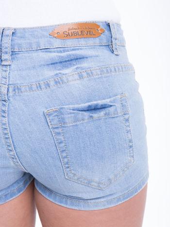 Błękitne szorty jeansowe z azteckim wzorem                                  zdj.                                  7