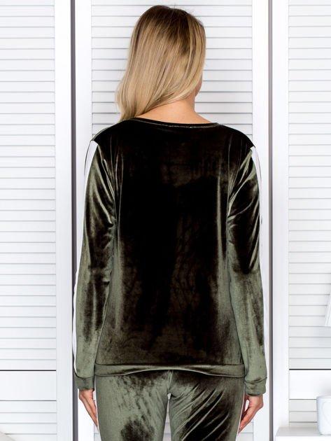 Bluza damska welurowa z jasnymi modułami zielona                                  zdj.                                  2