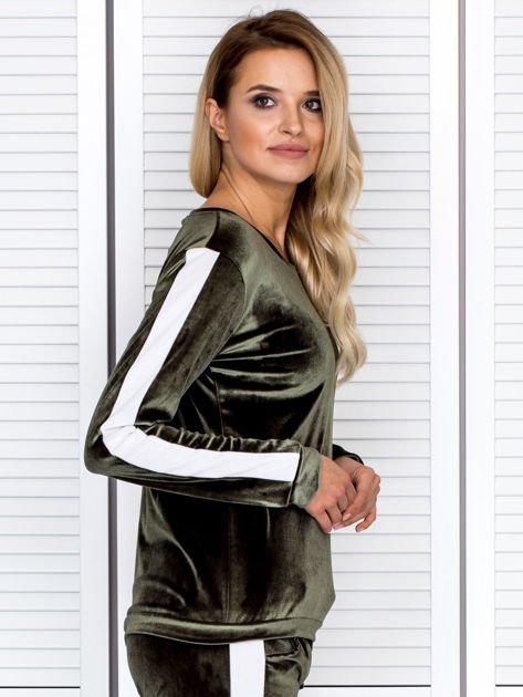 Bluza damska welurowa z jasnymi modułami zielona                                  zdj.                                  3